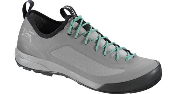 Arc'teryx W's Acrux SL Approach Shoes Pebble Arc/Flint
